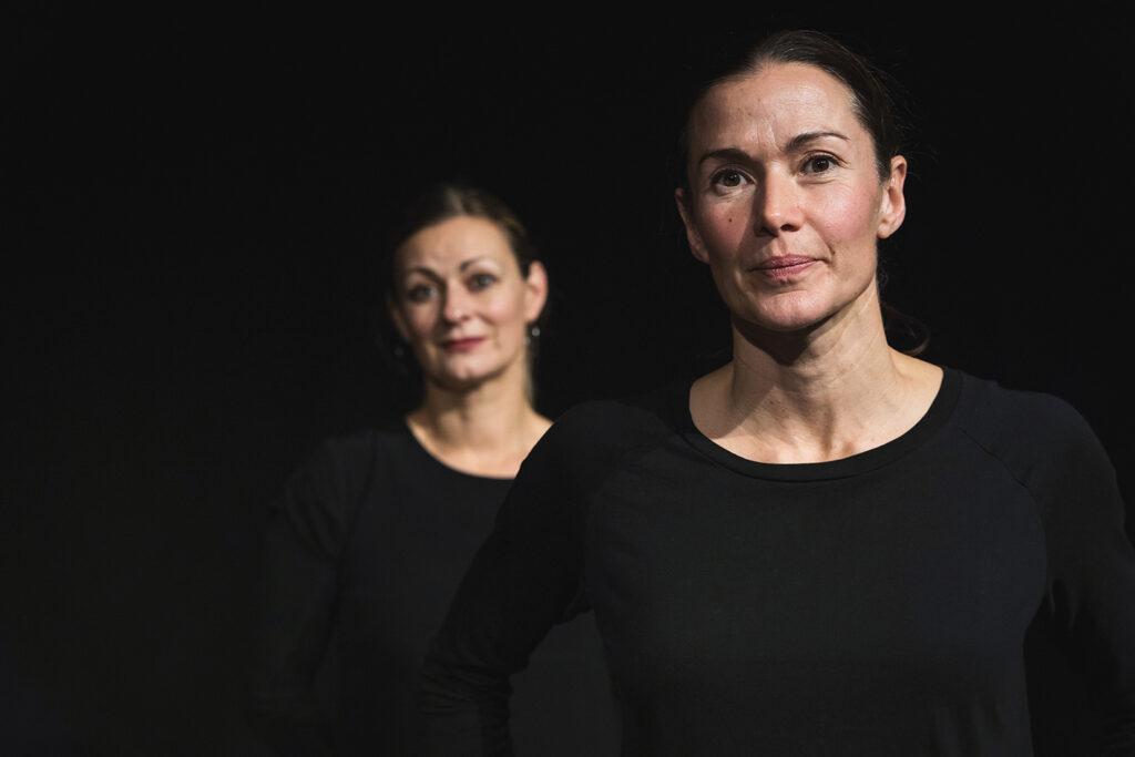 Rollen vi ärvde - En dansföreställning med dansaren Sara Ekman och cellisten Sofia Söderberg - Lördag 16 oktober 16.00 i Teatersalen, Dunkers kulturhus